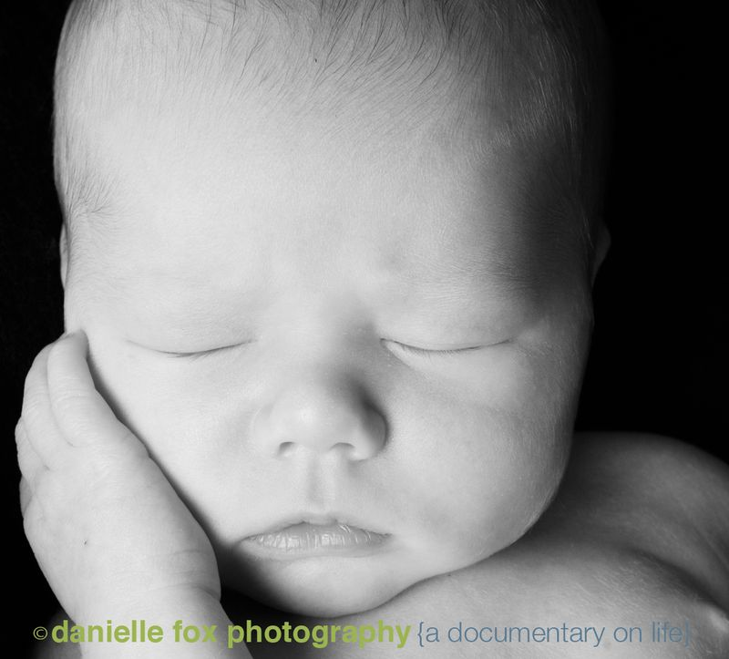 Newborn close up lips|baby photography