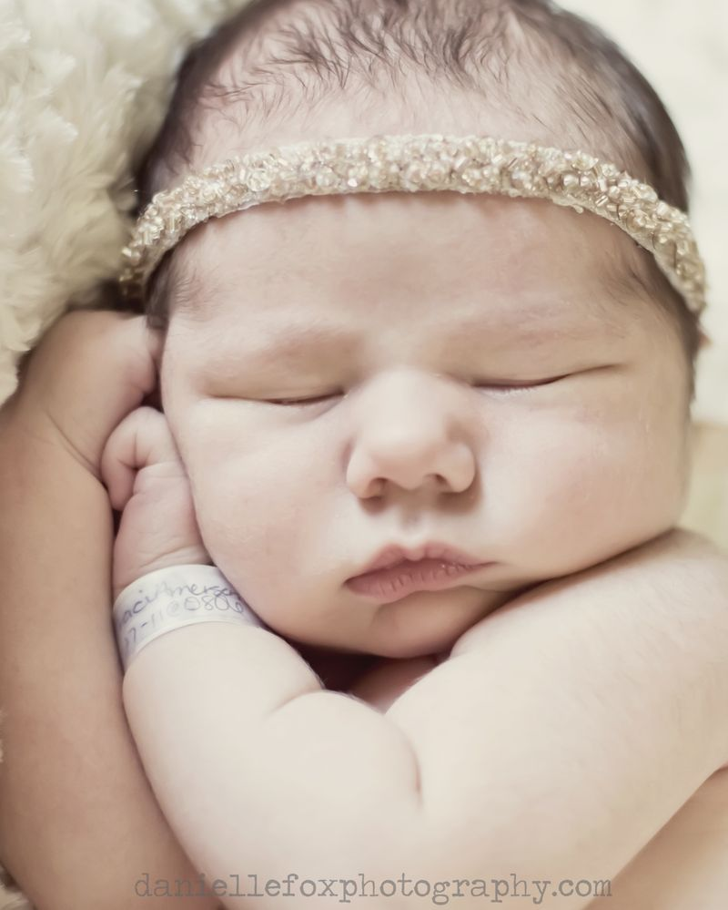 Newborn baby photography des moines